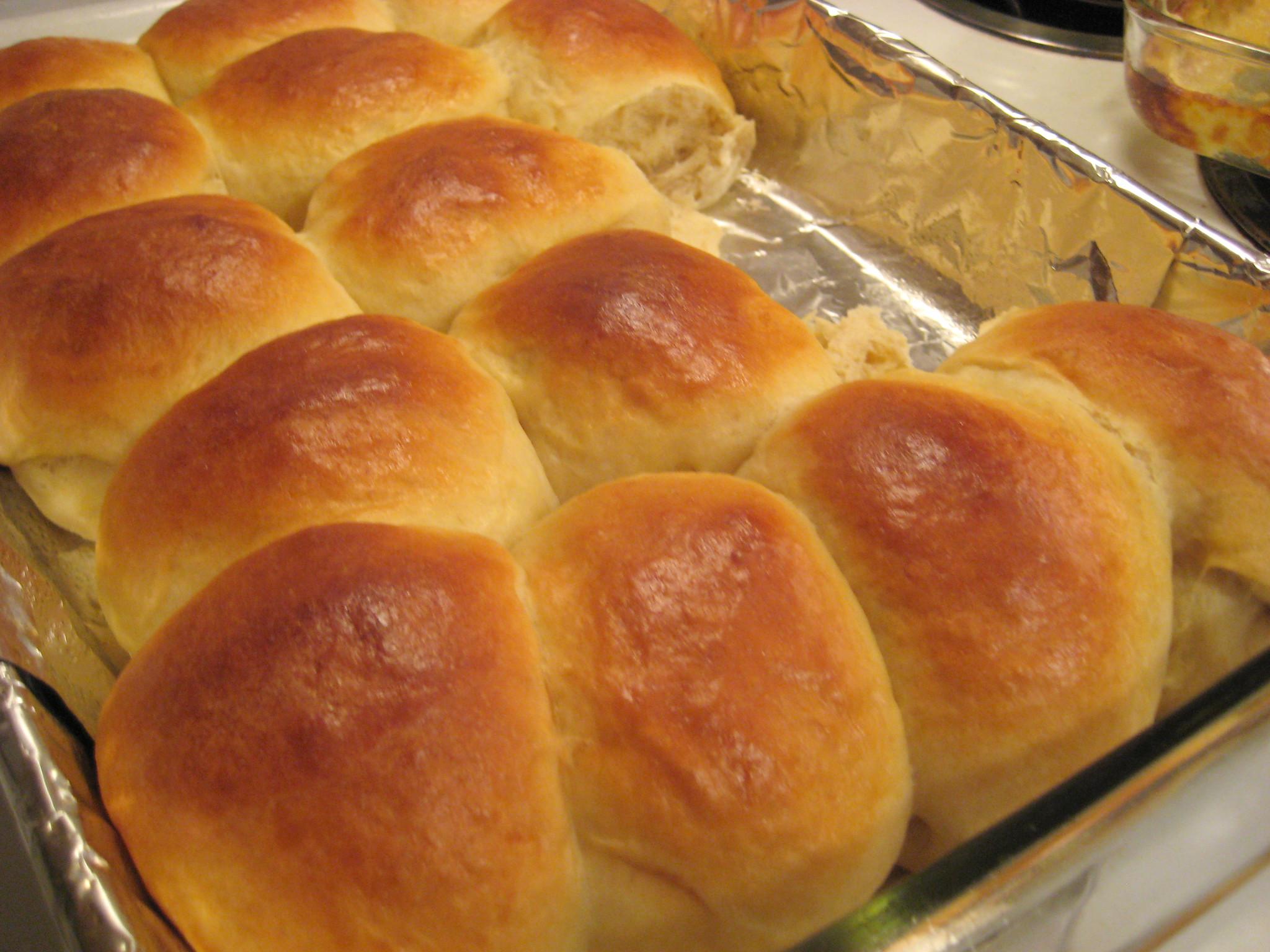 Συνταγή για εύκολα σπιτικά ψωμάκια για σάντουιτς.