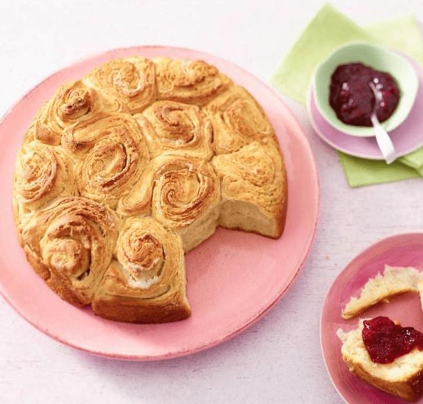 Γλυκό βουτυρένιο ψωμί τριαντάφυλλο