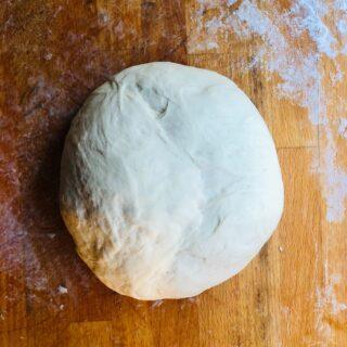 Συνταγή για την καλύτερη ζύμη για πίτσα (Pizza)