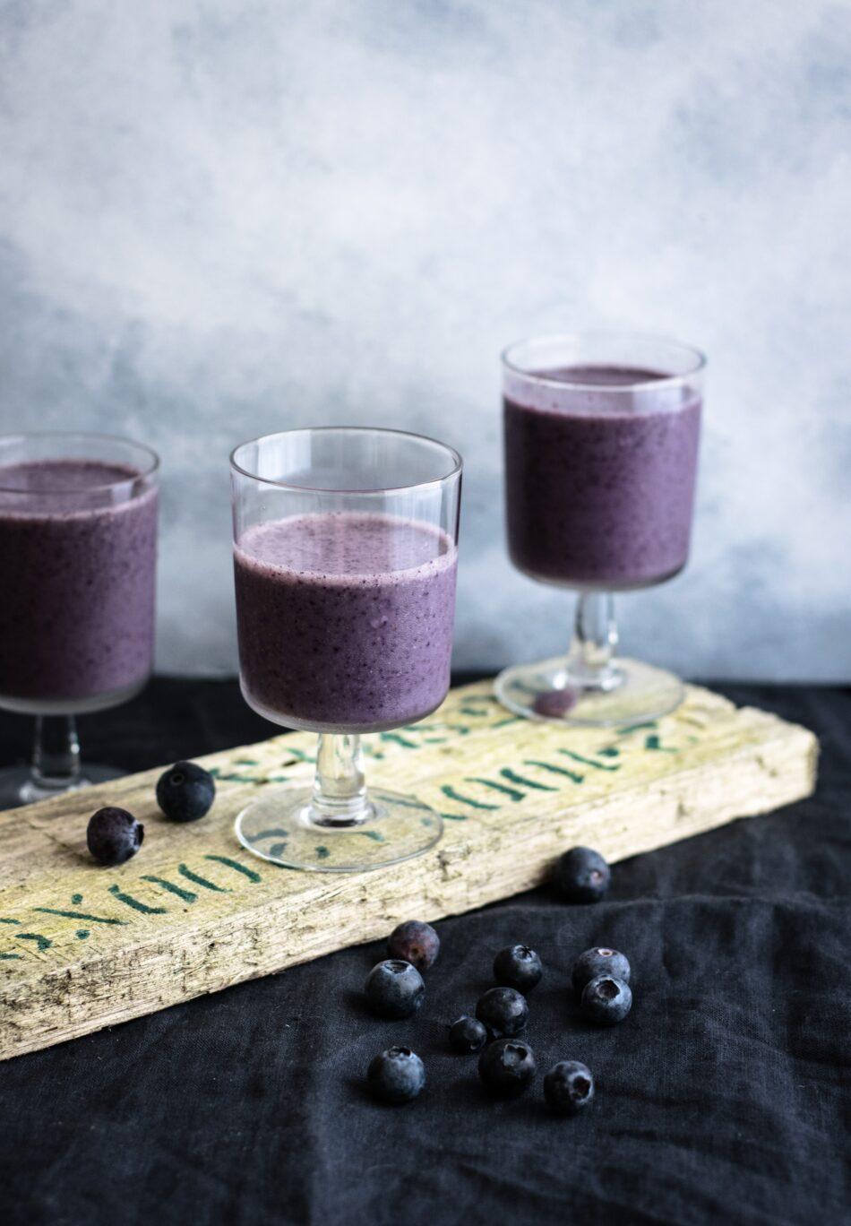Smoothie με blueberries (μύρτιλα)