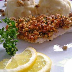Φιλέτο σολομού με κρούστα από καρύδια