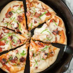 πίτσα στο τηγάνι