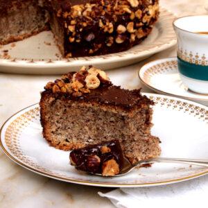 Κέικ φουντούκι χωρίς αλεύρι και μπέικιν